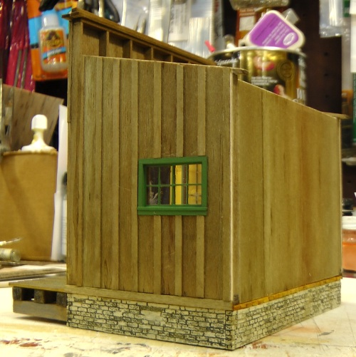 The back, as you can see, has little of the detail of the sides and front.  I'll just position this store on the layout somewhere so that the back doesn't show.