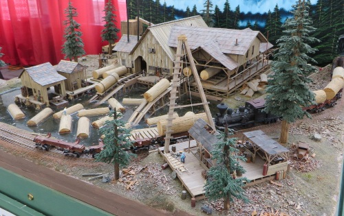 Layouts ran the gamut from small dioramas like this one....
