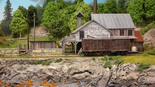 While Troels uses mainly Bachmann On30 equipment, he paints, weathers and details it in a way that makes it look very much at home in a New England setting.