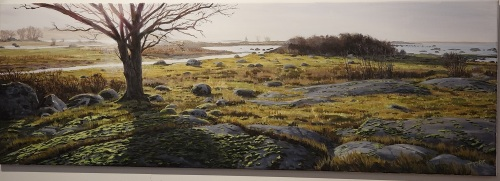 When looking at Troels' paintings I have always admired the amazing realism he conveys with a limited color palette.